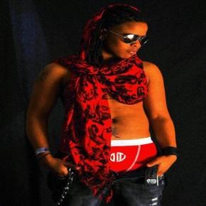 Vicky Miner Androgynous Model Rocks The Runway & SocialAttitudes